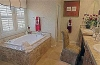 valencia-bridgeport-the-landing-plan-3-master-bathroom-tub
