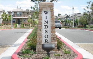 Sign welcoming visitors to Windsor Collection at Creekside Valencia