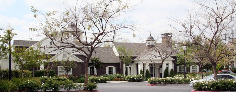 Valencia Bridgeport Clubhouse