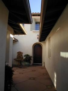 Emerald Residence 1 courtyard