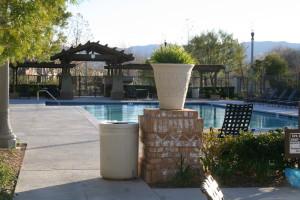 Valencia Creekside Recreation Center