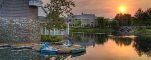Valencia Living - Sunrise at Valencia Bridgeport over the lake