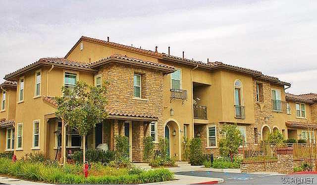 28414 Herrera Street Valencia CA 91354