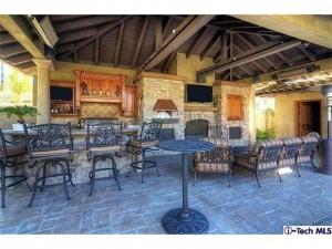 16152 Live Oak Circle Canyon Country outdoor patio